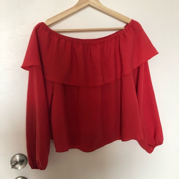 Aritzia Wilfred off the shoulder top
